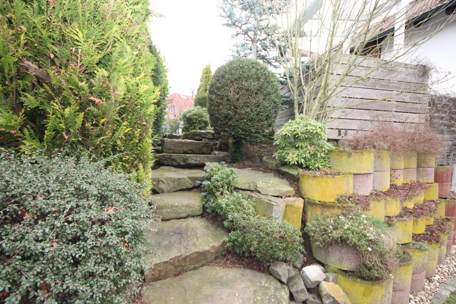 Garten Steinweg zur Terrasse