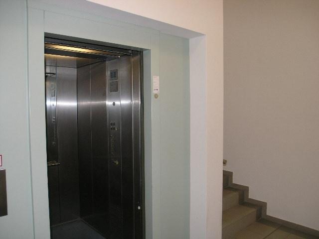 1745-Fahrstuhl 1