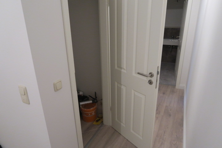 1751-Abstellraum Tür