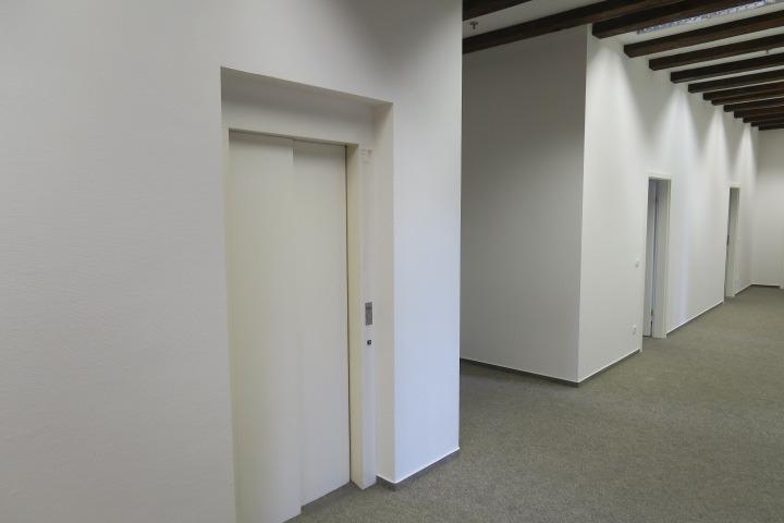 3101-interner Fahrstuhl