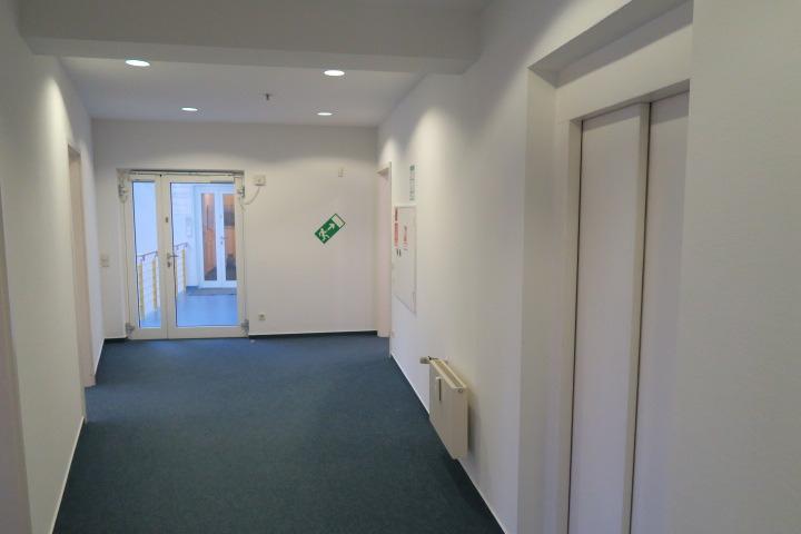 3104-interner Fahrstuhl