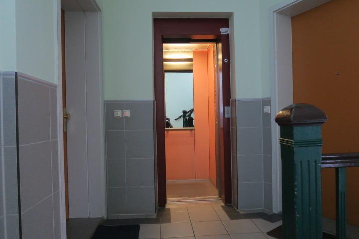 3121-Fahrstuhl Ansicht 2