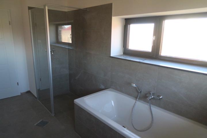 3212-Vollbad Dusche und Wanne OG