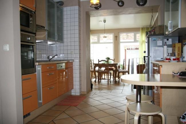 Küchen mit Blick zum Eßbereich
