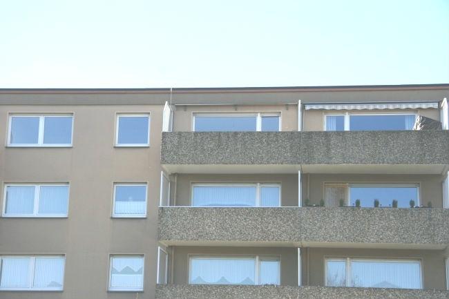 Hinteransicht mit großen Balkon