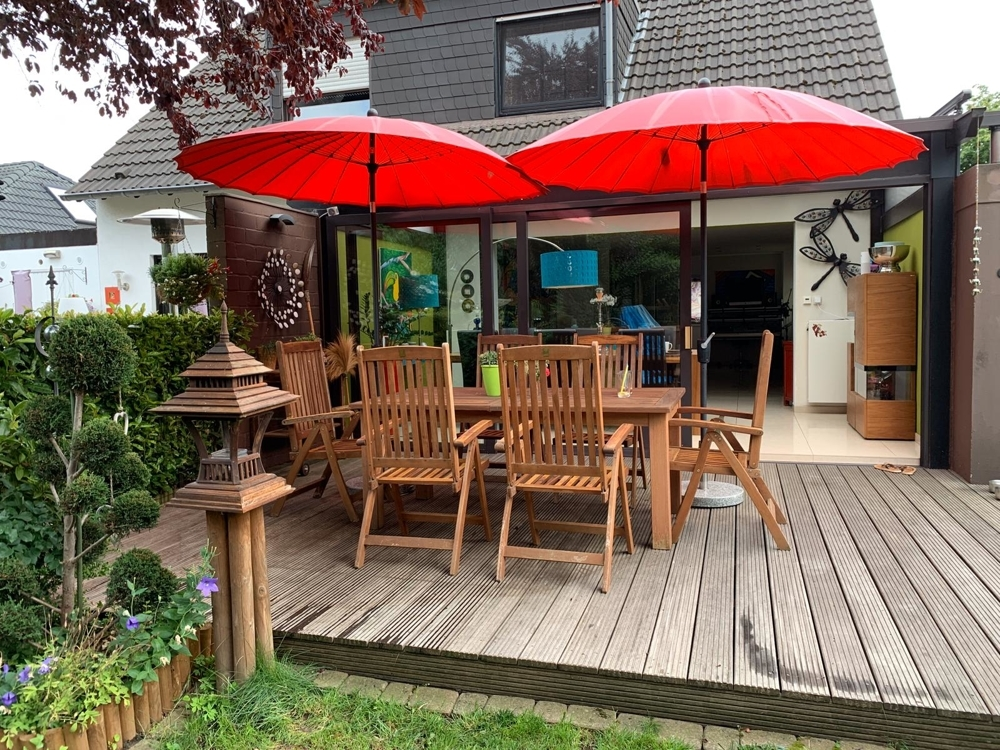 Gartenansicht und Terrasse