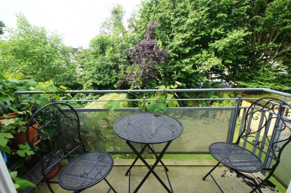 Balkon zur Gartenseite..png