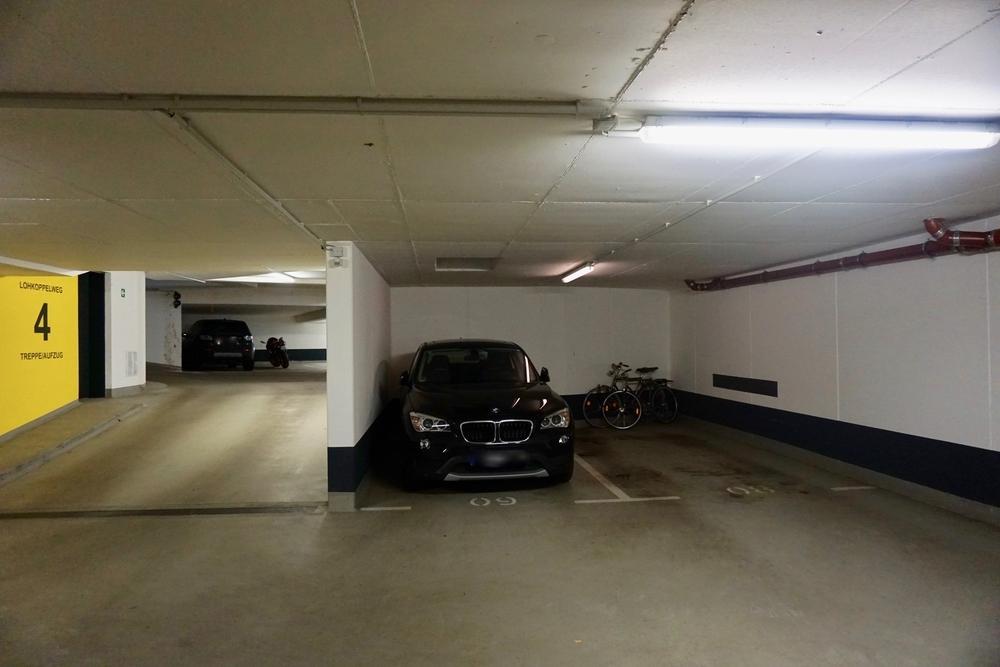 Garagenstellplatz rechts