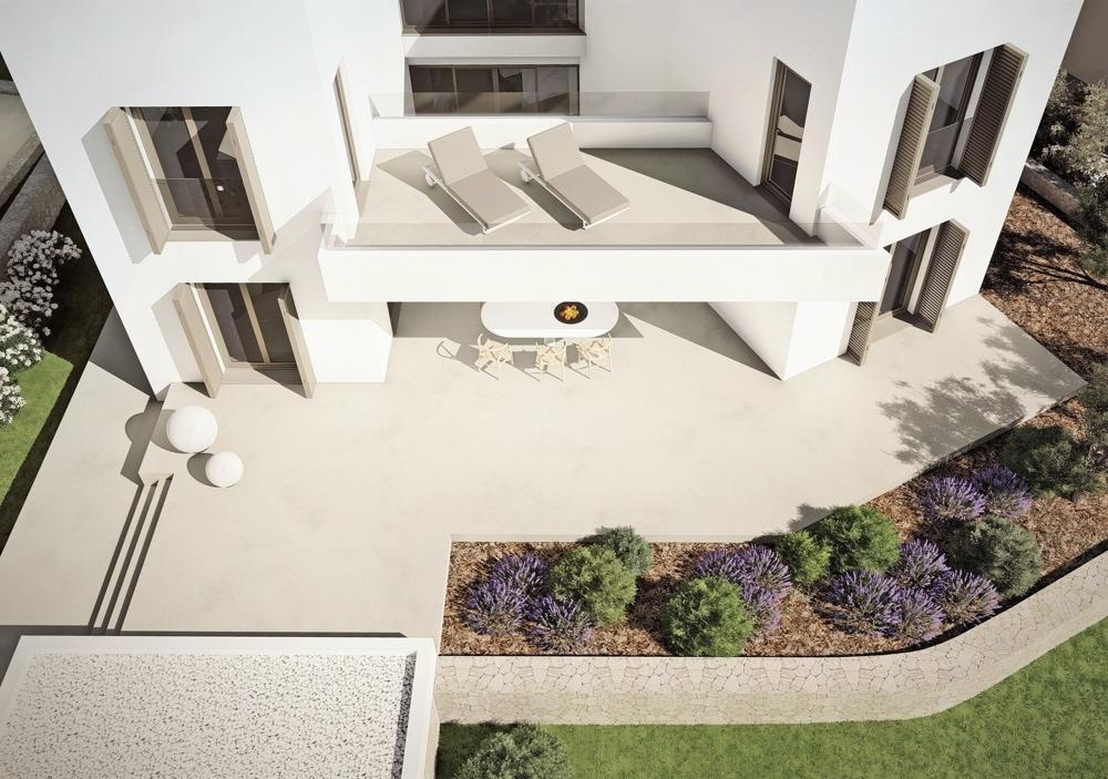 Morgen-Balkon und großzügige Terrasse