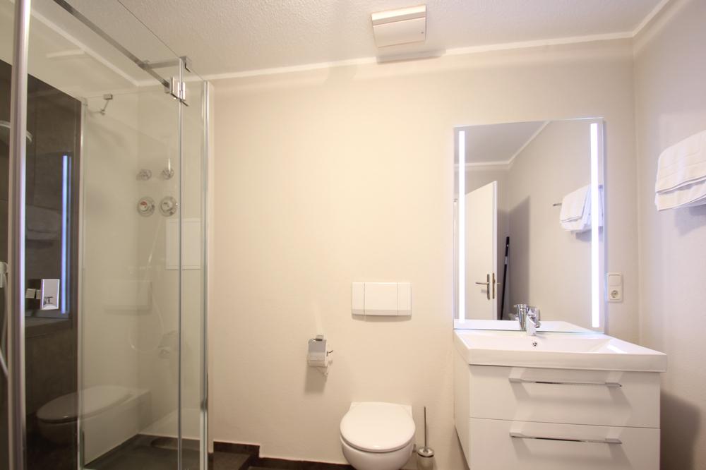 badezimmer-fewo-meeresblick