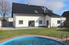 Gartenseite mit Pool