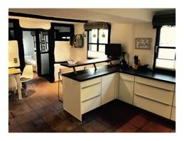 Küche mit Blick zum Wohnzimmer