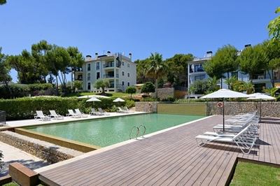 Garden apartment in Camp de Mar Mallorca for sale