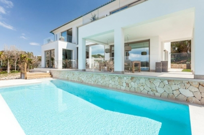 First line Villa in Santa Ponsa Mallorca for sale