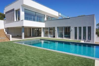 Moderne Neubau Villa in Nova Santa Ponsa zu verkaufen