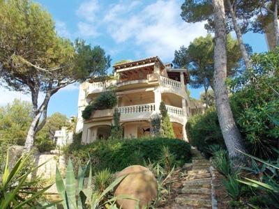 Villa in erster Meereslinie zu verkaufen