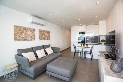 Wohnung in erster Meeresline in Santa Ponsa zu verkaufen