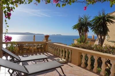 Wohnung mit großer Terrasse in Paguera zu verkaufen