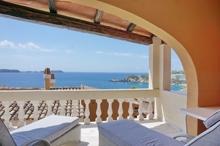 Wohnung mit großer Terrasse in Cala Fornells zu verkaufen