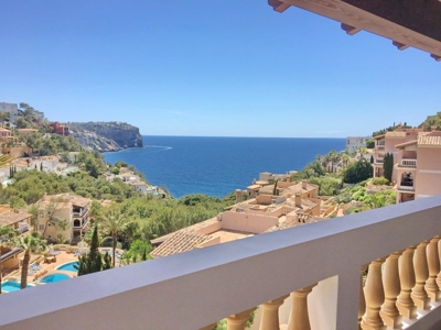 Penthouse with great terrace in Port Andratx for sale