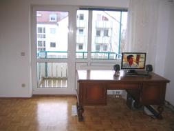 Helles Wohnzimmer mit Parkett