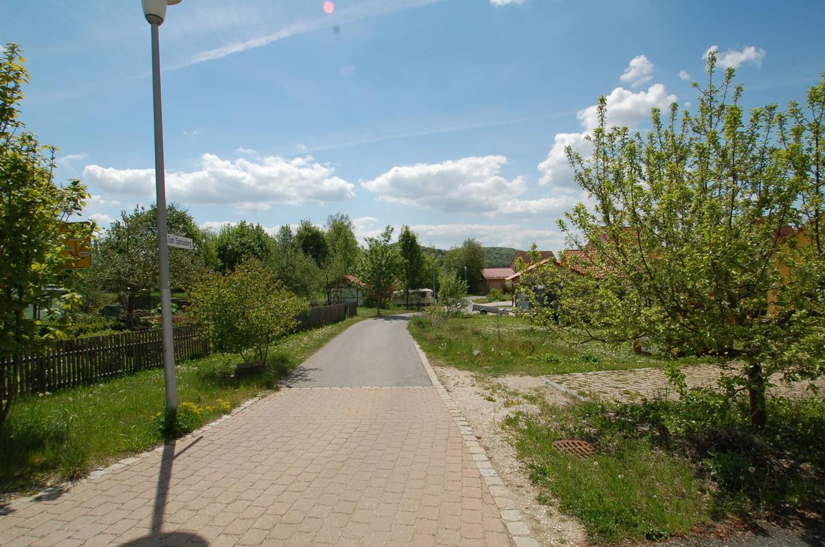 Zufahrt zu 12, 13 - Zum Sperlasberg