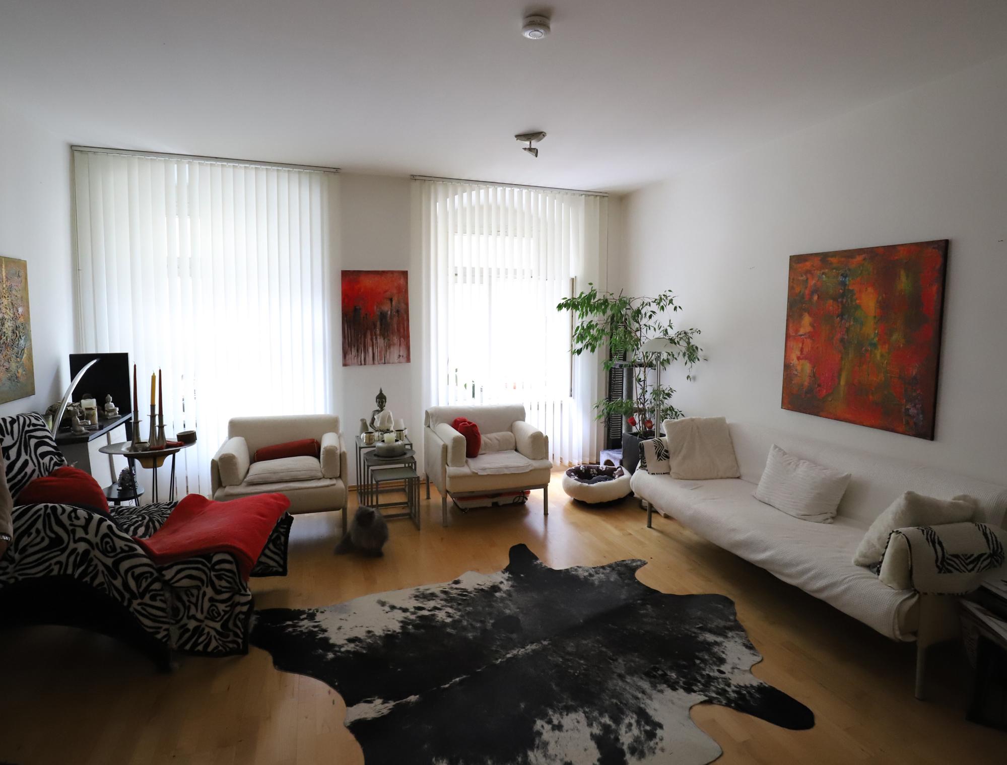 gemütliches, helles Wohnzimmer