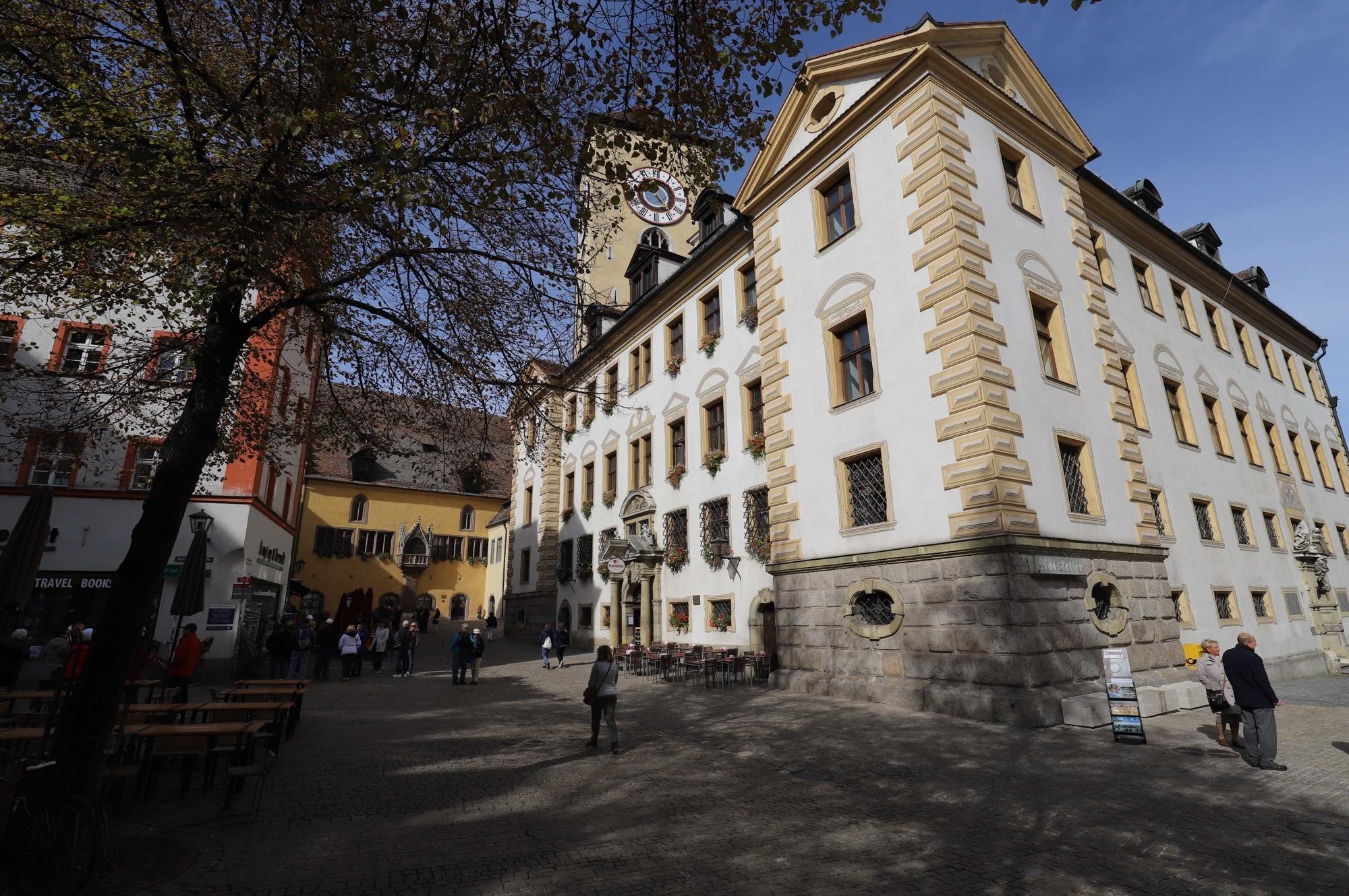 Ratskeller und altes Rathaus - keine 50 Meter entfernt