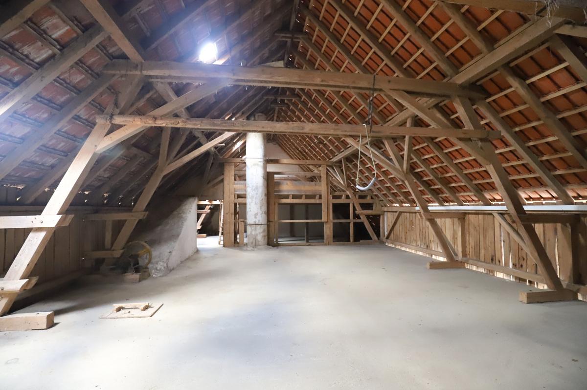 Dachboden des Stallgebäudes
