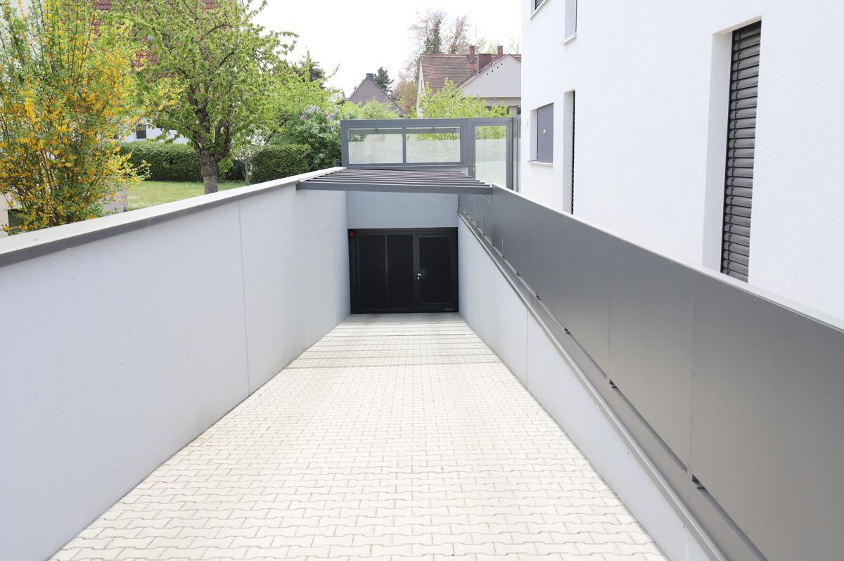 Tiefgaragen Abfahrt