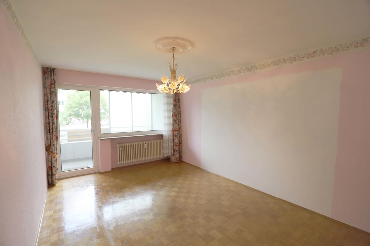 Wohnzimmer mit Stäbchenparkett