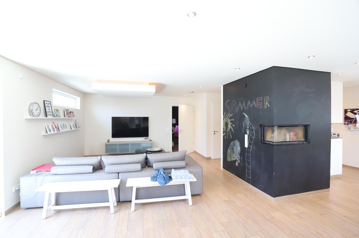 Wohnzimmer mit Heizkamin
