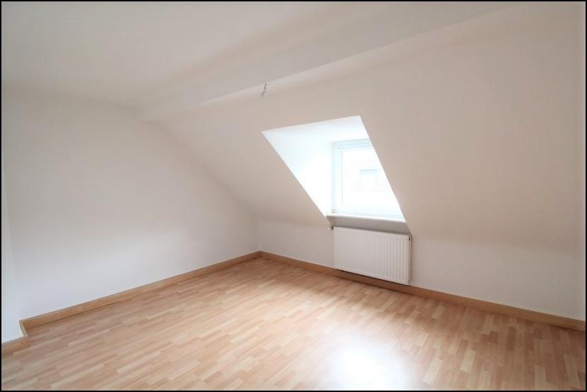 Gemütliche 2-Zimmer-Dachgeschosswohnung mit Einbauküche in Wersten