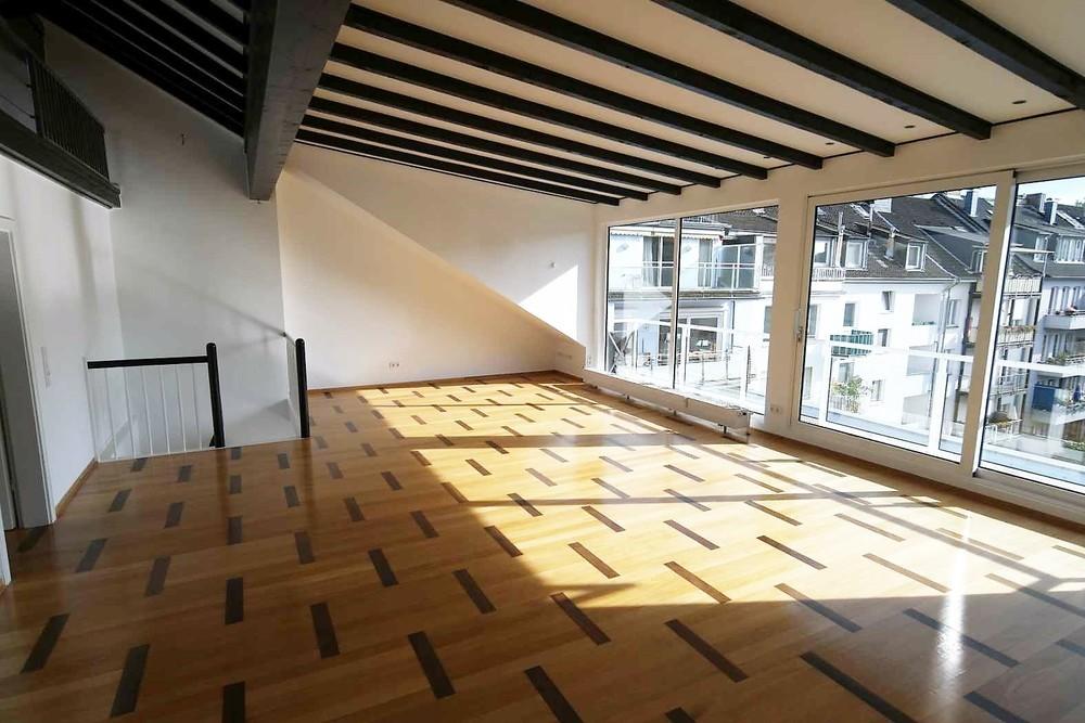 Hochwertige und lichtdurchflutete 4-Zimmer Wohnung im Herzen der Carlstadt