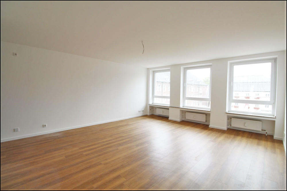 Frisch sanierte 1,5 Zimmer Wohnung am historischen Marktplatz in der Düsseldorfer Altstadt