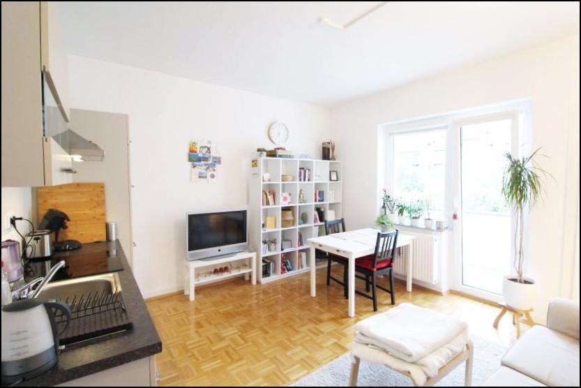 Lichtdurchflutete 1,5 Zimmer Wohnung mit moderner Einbauküche in Düsseldorf Wersten