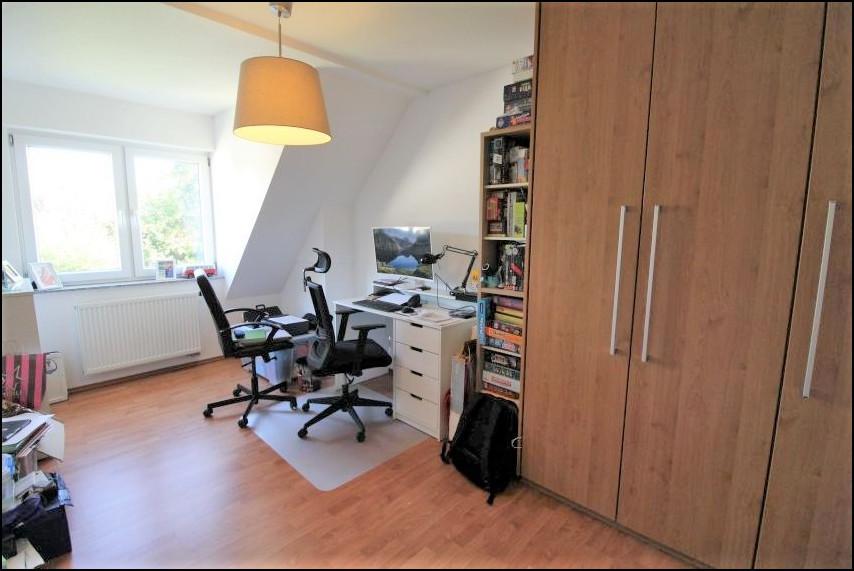 Arbeitszimmer (1.OG)