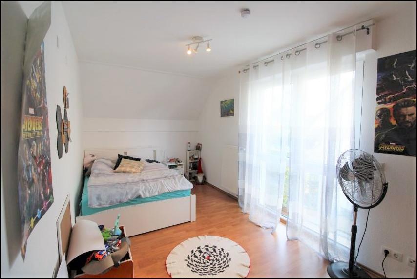 Schlafzimmer 2 (1.OG)