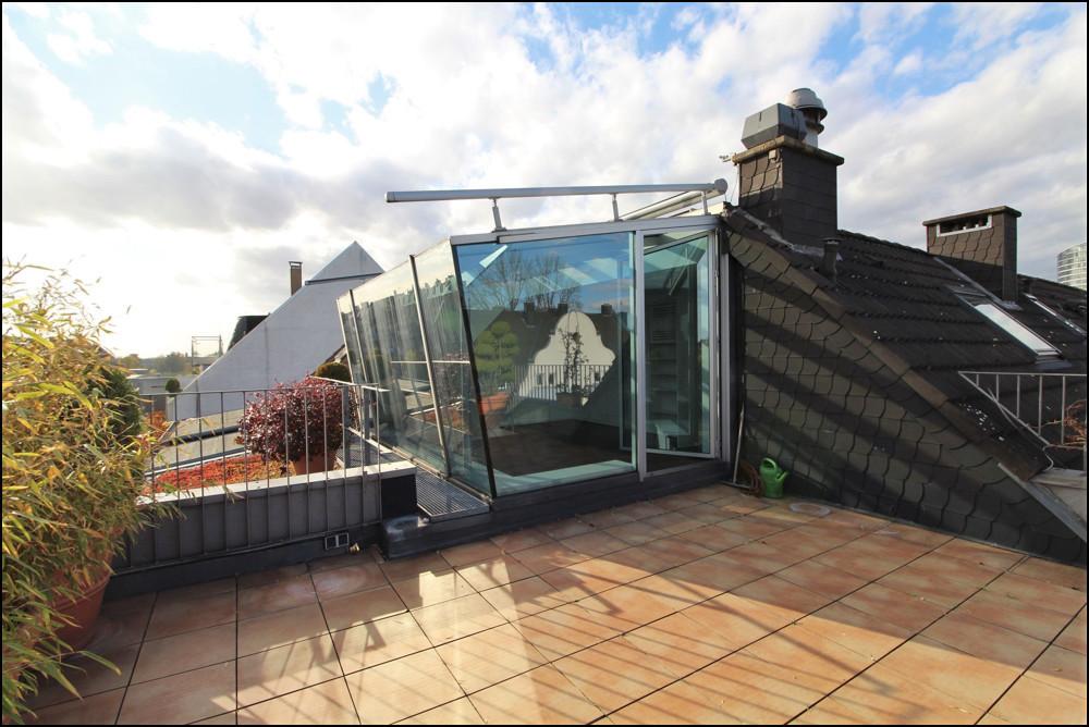 Traumhafte Maisonette über den Dächern von Düsseldorf - große Dachterrasse - in Golzheim