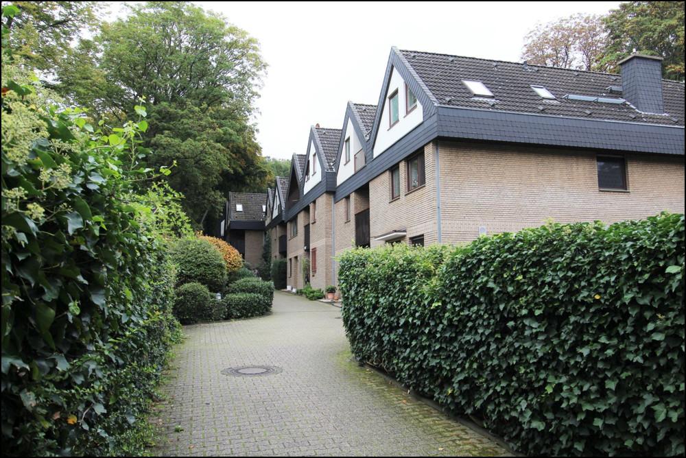 Großzügiges Reihenmittelhaus in beliebter Lage von Duisburg Duissern