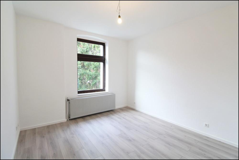 Frisch sanierte 2-Zimmer Altbauwohnung in zentraler Lage in Düsseldorf - Wersten