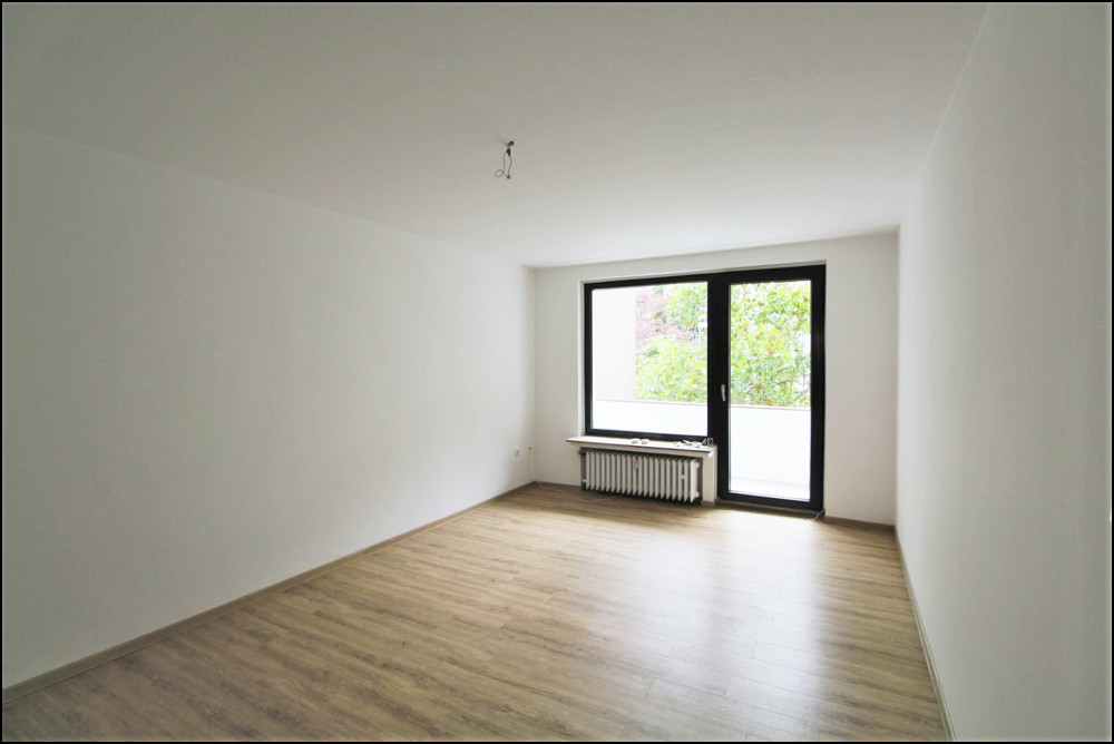 Frisch teilsanierte 2-Zimmer-Wohnung in zentraler Lage in Düsseldorf - Bilk