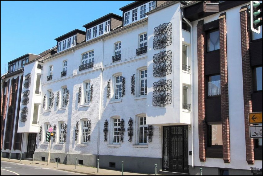 Frisch sanierte 2-Zimmer Gartenwohnung mit Wintergarten in Düsseldorf Rath