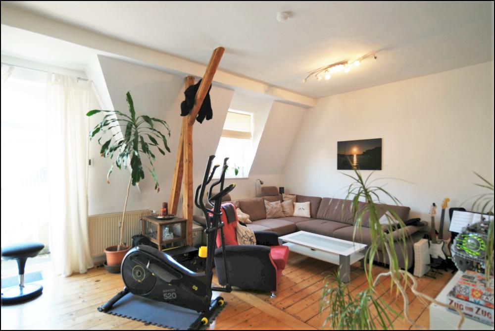 Stilvolle Altbauwohnung im Dachgeschoss in ruhiger Lage in der Duisburger - Altstadt