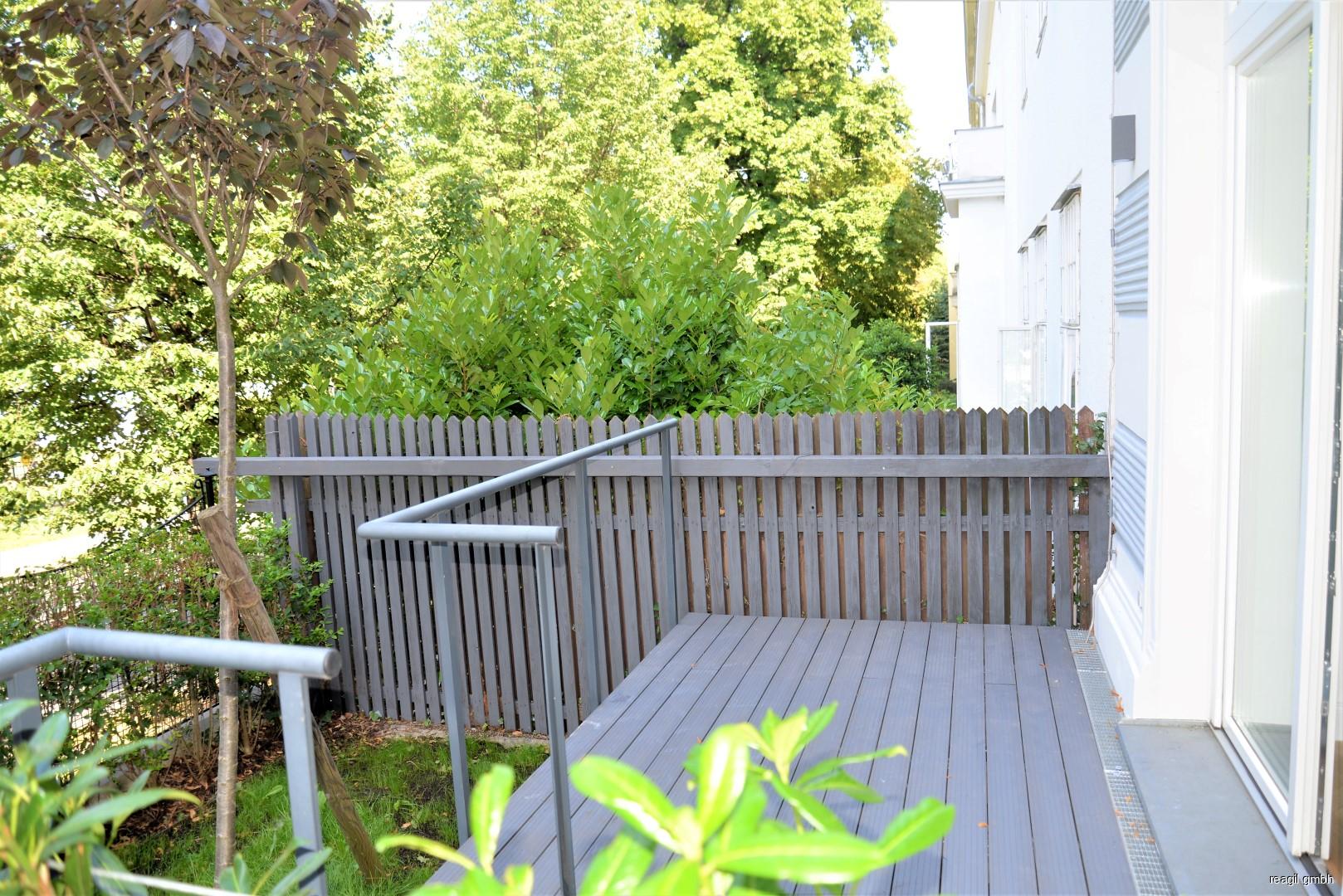 Terrasse u.Garten Nord
