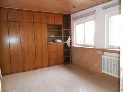 Raum 2 mit Einbauschrank