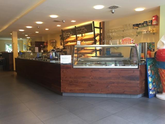 Cafe-Laden