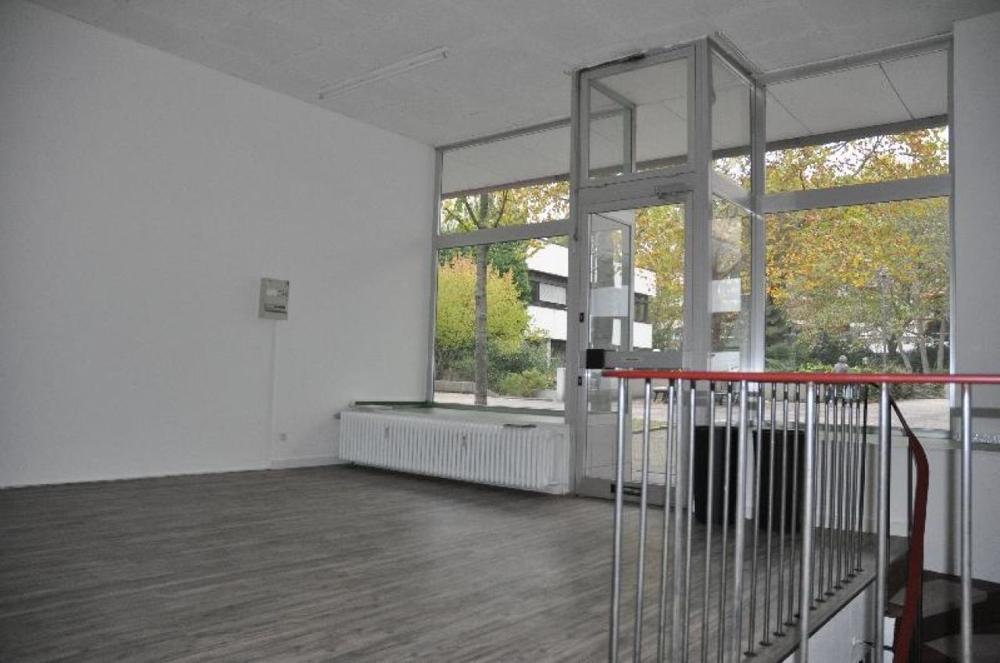 Verkaufs/Bürofläche