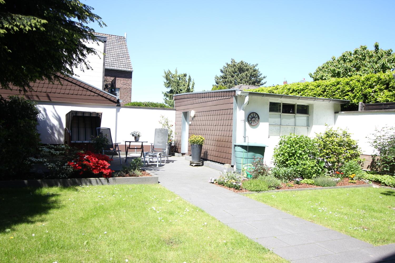 Terrasse & Vorgarten