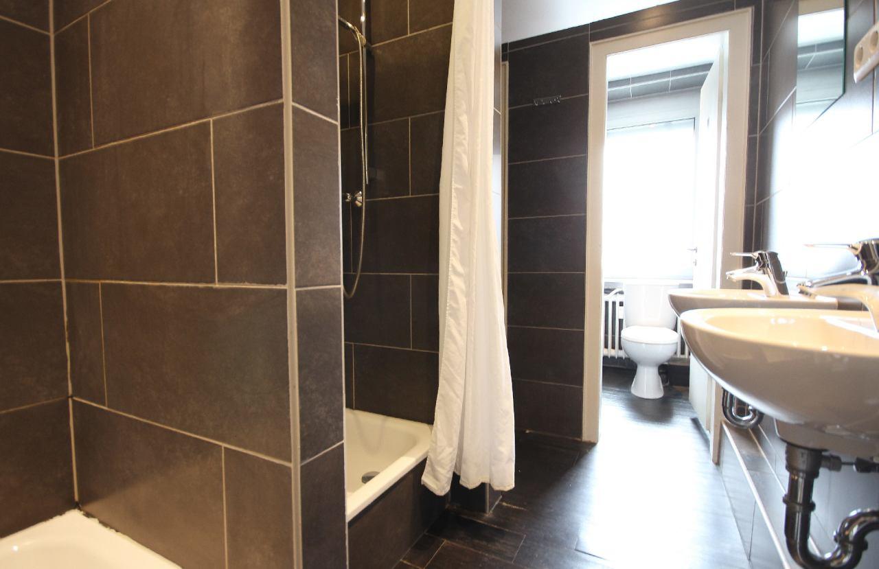 WC Räume mit Duschen